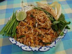 Love Pad Thai! Great video about  how to cook this awesome food .