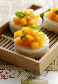 dessert sushi Homemade Sushi Recipes You Need To Try Sushi is the iconic food of Japan. The fresh salmon topped on exquisite Japanese rice and dipped with hint of light soy sauce is enou Dessert Chef, Dessert Sushi, Thai Dessert, Dessert Recipes, Mango Recipes, Sushi Recipes, Cooking Recipes, Asian Desserts, Sweet Desserts