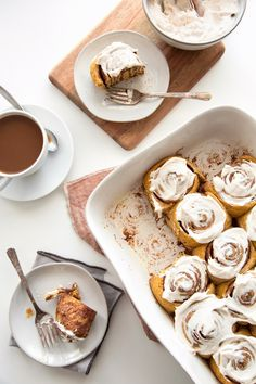 Cinnamon rolls with the flavors of fall! These rolls on their own have a subtle pumpkin flavor and are free of dairy, eggs, and refined sugar. Delicious Desserts, Dessert Recipes, Yummy Food, Fall Recipes, Sweet Recipes, Pumpkin Cinnamon Rolls, Pumpkin Cream Cheeses, Fall Baking, Croissants