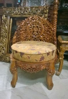 Old Furniture, Accent Chairs, Sweet Home, House Design, Cool Stuff, Home Decor, Wood, Upholstered Chairs, Decoration Home
