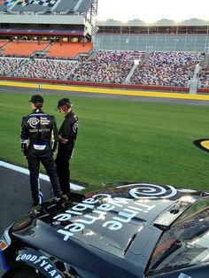 Kasey Kahne and crew chief #kennyFrancis talk about a strategy before qualifying at Charlotte Motor Speedway .