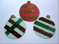 Fast & Mess Free Glitter Ornaments. No glue! Use double sided tape, pour glitter into zip lock bag, add ornament, shake and voila! No mess glitter ornament.
