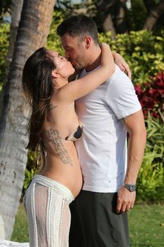 Brian Austin Green and Megan Fox Bikini Belly Bump Pictures