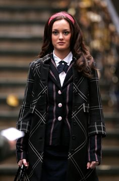 Blair (Season 1, Episode 12) The quintessential Blair Waldorf school uniform: plaid, stripes, a necktie and a giant headband. 'Gossip Girl' Series Finale: A Look Back At The Fashion From All 6 Seasons (PHOTOS)