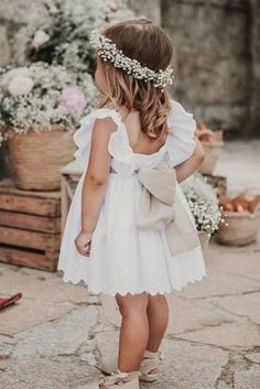21 Flower Girl Dresses To Create A Magic Look flower girl dresses simple with bow rustic boho fluxus photography Boho Flower Girl, Rustic Flower Girls, Wedding Flower Girl Dresses, Bridesmaid Flowers, Little Girl Dresses, Girls Dresses, Baby Bridesmaid Dresses, Baby Wedding Outfit Girl, Fall Flower Girl