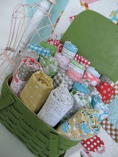 Bee In My Bonnet: Introducing Polka Dot Stitches...LOVE this fabric line!!!