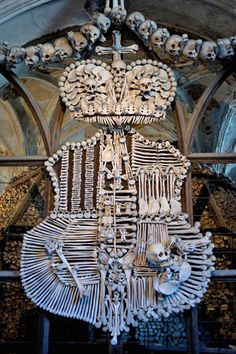 Located in Kutna Hora, a town in the Bohemia region of the Czech Republic just a short train ride away from Prague, is the Sedlec Ossuary (Kostnice Sedlec); also known as the Church of Bones. Sedlec Ossuary, La Danse Macabre, Human Skull, Skull And Bones, Memento Mori, Kirchen, Coat Of Arms, Czech Republic, Instagram