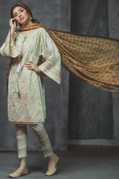 Mahira Khan Dazzles In Alkaram's Eid Collection, Alkaram Eid Dresses Eid Outfits Pakistani, Pakistani Fashion Casual, Pakistani Dresses Casual, Indian Fashion Trends, Eid Dresses, Pakistani Dress Design, Indian Dresses, Asian Fashion, Indian Outfits