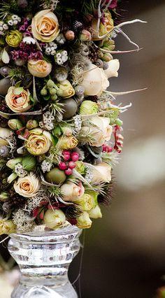Chelsea Flower Show-fruit & flowers in urn