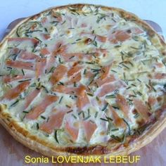 Tarte salée courgettes et saumon fumé Diät, Pizza Recipes, Cooking Recipes, Healthy Recipes, Eat Healthy, Soup Recipes, Pizza Recipe No Yeast, Dessert Pizza, Alfredo Recipe, Aesthetic Food