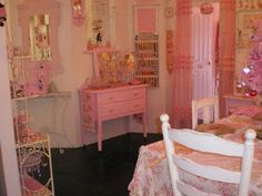 For the love of Romantic living. A love affair of Shabby Chic trash to treasure projects. I adore old chippy, crusty vintage furniture Shabby Chic Pink, Shabby Chic Bedrooms, Shabby Chic Homes, Shabby Chic Furniture, Shabby Chic Decor, Vintage Furniture, Shower Tile Designs, Pink Palace, Romantic Homes