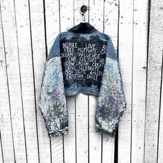 Jackets 2020 Jackets 2020 2020 trendy jeans jackets and outfits . Custom Clothes, Diy Clothes, Painted Jeans, Hand Painted, Denim Fashion, Designer, Jackets For Women, Couture, Painted Jackets