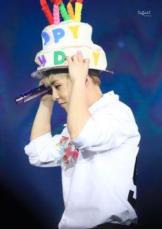 Kim Minseok Exo, Exo Xiumin, Exo K, Exo Members Birthday, Exo Birthdays, Cute Happy Birthday, Types Of Boyfriends, Sing For You, Xiuchen