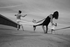 hussein chalayan: sobre el baile, las emociones y la cultura del like
