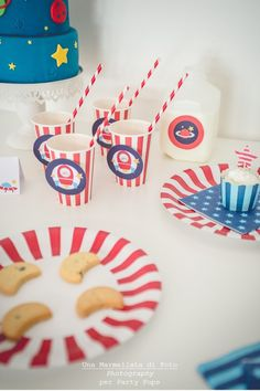 Party Pops - Astronauts Theme Party http://partypopsblog.wordpress.com/2014/05/01/party-pops-una-festa-spaziale/