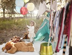Circus themed family photos  //  ashley hamilton photography. Go to this site. It has a whole little cute set up. We don't have to use it for your session but we could if you wanted to. I thought it was pretty adorable!
