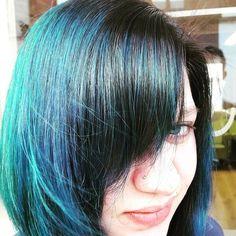 Blue and lilac colors will look good in combination with light green, mint and grey 💋Let op: deze haar kleuringen zijn niet voor watjes maar voor kapsel-durvers! Peacock, Hair Styles, Beauty, Color, Hair Plait Styles, Hair Makeup, Colour, Peacocks, Hairdos
