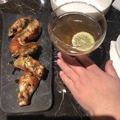 Χύτρα restaurant bar - Eat Yourself Greek Lemon Grass, Restaurant Bar, Athens, Chicken Wings, Greek, Homemade, Eat, Food, Home Made