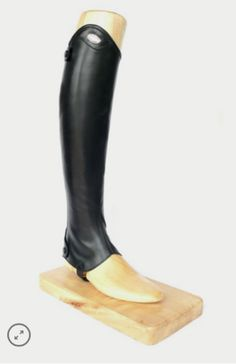 Superior Feel! - Superior quality calfskin. - No lining on the inside. - Back elastic insert. - Back zipper. - Parlanti Passion metal logo. - 6 month warranty. Parlanti Passion Half Chaps are the ulti