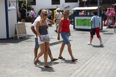 Private Investigator Answers Investigation working in Playa Blanca, Islas Canarias - Detective Privado  http://www.answers.uk.com/services/playablanca.htm Tel: 0044 207 158 0332  The movements of British and European tourists in Lanzarote may be a reason for observation & surveillance, especially if the person concerned should be doing something different at home.   http://www.answers.uk.com