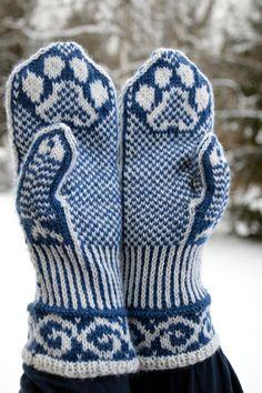 Mittens Pattern, Knit Mittens, Knitting Socks, Knit Socks, Double Knitting Patterns, Shawl, Knit Crochet, Upcycle, Weaving