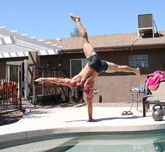 Ido Portal one arm handstand...What happens when you eat Paleo & cut out the garbage/sugar