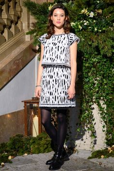 Chanel Pre-Fall 2015 - Front-row -Àstrid Bergès-Frisbey