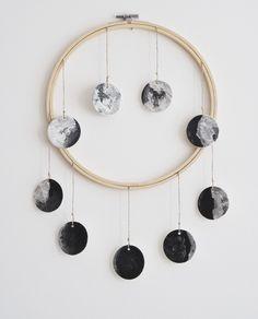 Mobiles, Moon Decor, Diy Wall Decor, Teen Room Decor, Kids Decor, Diy Clay, Clay Crafts, Moon Crafts, Wiccan Decor