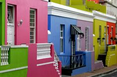 Cape Town's colourful Bo Kaap neighbourhood is a visual masterpiece with cobblestoned streets. The delicious smell of Cape Malay fare hangs heavy in the air, intercepted every so often by the call to prayer. Photo by Rama Arya Cape Town South Africa, Table Mountain, Happy Colors, Adventure Is Out There, House Colors, The Neighbourhood, Make It Yourself, Live, Outdoor Decor
