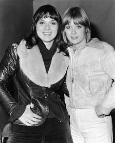Ann Wilson & Nancy Wilson (Heart) They look like teenagers in this photo! They definitely go waaaay back.