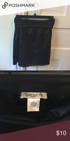 Black Stretch Mini Skirt from ArdenB Gently used Small black stretch mini from Arden B. Gently used with no signs of use. Easy choice for a night out with the girls or a stunning look for an evening with that special someone. Arden B Skirts Mini