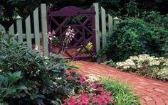 Gardening Americana-style  Stroll through a Williamsburg-style Illinois garden rich in history, color and wonder.