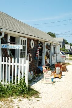 The prettiest antique store on the Vineyard.  I have many silver trays from this shop.