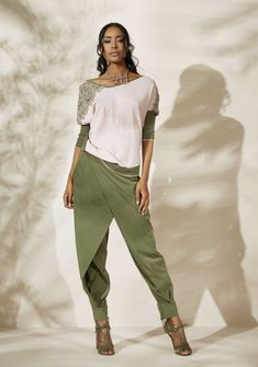Street dancing outfit pants 58 Ideas for 2019 Fashion Pants, Boho Fashion, Fashion Outfits, Womens Fashion, Fashion Trends, Dressy Casual Outfits, Stylish Work Outfits, Elisa Cavaletti, Plus Size Party Dresses
