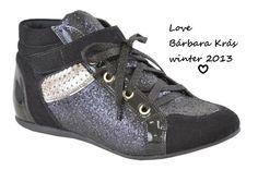 Outro preferido, querooo Bárbara Krás #tênis #glitter #fashiondrika #inverno ♥