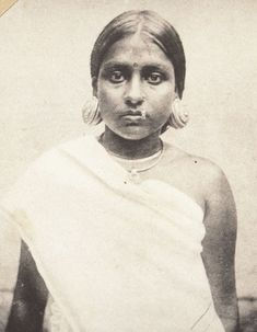Source: http://george-easaw.blogspot.com/ via oldindianphotos.in Description: Portrait of a Malabar girl with earrings- Kaathilola Kerala 1921