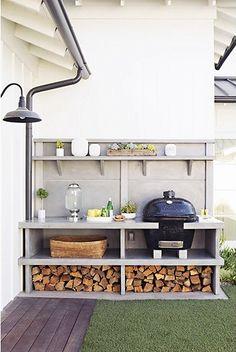 Ingebouwde barbecue in de tuin