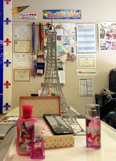 March 6, 2013, Photo of the day: C'est ma vie!: Jadore mes étudiants!