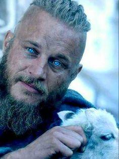Ragnar Lothbrok Haircut, Ragnar Lothbrok Vikings, Travis Vikings, Vikings Travis Fimmel, Vikings Show, Vikings Tv Series, Viking Men, Viking Warrior, History Channel