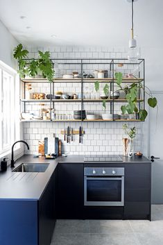 extraordinary kitchen design ideas for you that really like cozy and fresh kitchen page 21 Home Decor Kitchen, Interior Design Kitchen, Kitchen Furniture, Kitchen Dining, Kitchen Ideas, Kitchen Cabinets, Island Kitchen, Kitchen Layout, Kitchen Backsplash