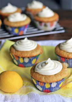 Gluten-Free Lemon Cupcakes Filled with Lemon Curd