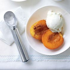 Caramelized Peaches with Ice Cream @keyingredient