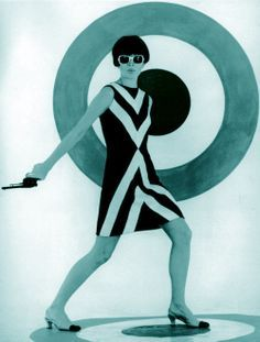 Mary Quant, designer - love her design and style 60s And 70s Fashion, Mod Fashion, Vintage Fashion, Classic Fashion, Gothic Fashion, Mary Quant, Mode Vintage, Vintage Ladies, Vintage Style