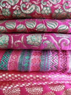 Brocade Magenta beauties... Loving the color pallet here!
