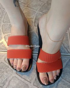 "1,118 Likes, 27 Comments - Yara Braga (@yarafeet.braga) on Instagram: ""Sandália nova de verão #footfetishnation #feetlove #piedini #feetstagram #lovefeet…"""