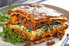 VEGAN Pumpkin, spinach and lentil lasagne ***Substitute Ricotta for Soft Tofu, Cheese for Vegan Chees (Bio Cheese, Daiya Vegetable Lasagne, Vegetable Dishes, Veggie Meals, Vegetarian Recipes, Cooking Recipes, Healthy Recipes, Speggetti Recipes, Recipies, Lentil Recipes