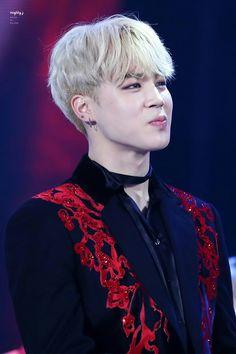 "•161119 BTS receiving DAESANG ""Album of the Year"" @ Melon Music Awards || #boysmeetdaesang"
