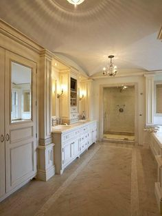 WIC/Bathroom.