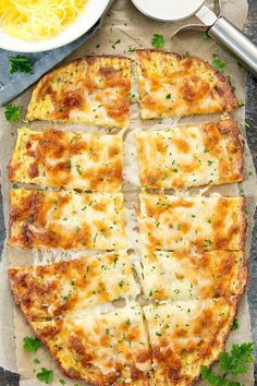 Cheesy breadsticks made with spaghetti squash for a delicious, low carb alternative to regular breadsticks. If you enjoyed my zucchini breadsticks and cauliflower breadsticks, then I think you'll also love these spaghetti squash breadsticks. Spaghetti Squash Season, Tasty Spaghetti Squash, Best Spaghetti Squash Recipes, Spagettie Squash Recipes, Spagetti Squash Spagetti, Pasta Spaghetti, Zuchinni Recipes, Spaghetti Dinner, Squash Pasta