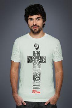 caralhoo uma das minhas cenas favoritas do cinema!!  Camiseta Pulp Fiction